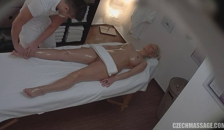 720p - Czech Massage Busty Milf Fucks The Masseuse 2 1280×720