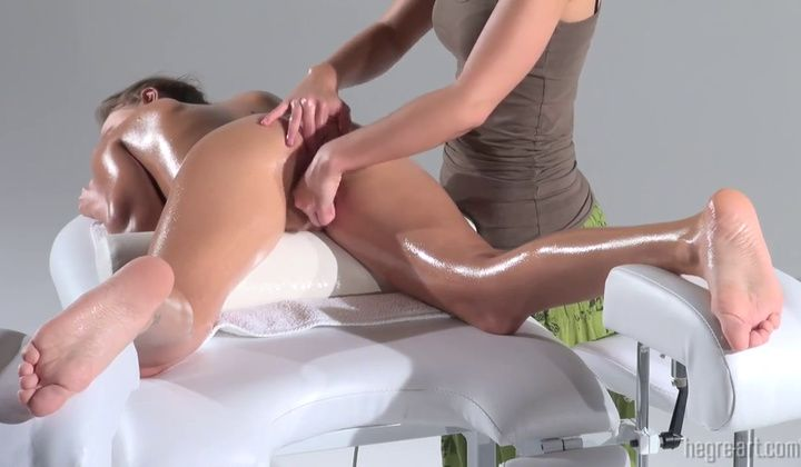 Lesbian - Countless Orgasms Massage 720p